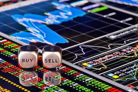 Криптовалютные биржи зарабатывают...